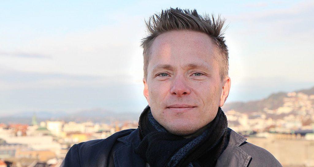Erik W Kolstad